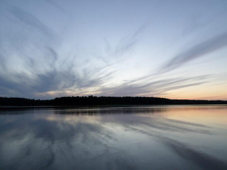 Vakantie Zweden Tips - Avondschemer op het water